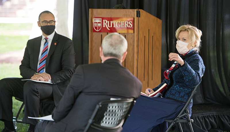 Deborah Birx meets with New Jersey Governor Phil Murphy and Rutgers President Jonathan Holloway outside Winants.