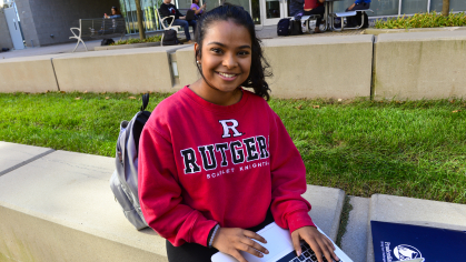 Rutgers student Sanjana Ray ('18) with computer.