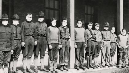Medical workers and soldiers during the 1918 pandemic