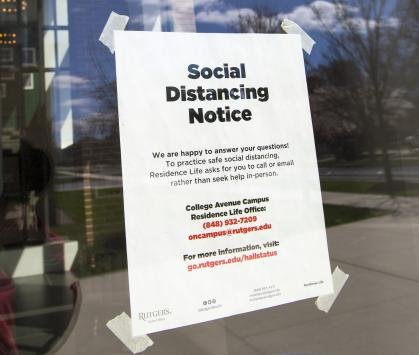 Social Distancing notice at Rutgers Academic Building, Rutgers University–New Brunswick